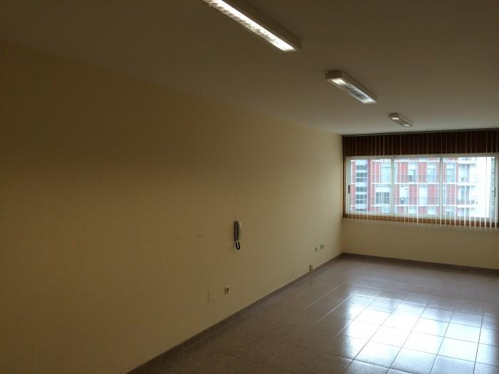 Oficina en Alquiler en Calle Monte das Moas 15, Bajo nª 3 en A Coruña.